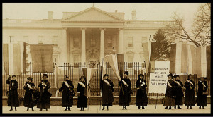 Photo of women picketing in front of the White House